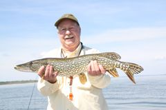 Lake Wabamun Pike
